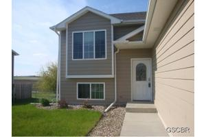 1708 Country Club Dr, Elk Point, SD 57025