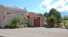 748 Mission Valley Rd, Corrales, NM 87048