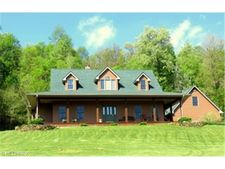 9838 Stickle Rd, St. Louisville, OH 43071