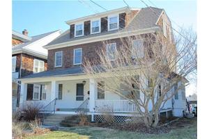 1136 Ocean Ave, New London, CT 06320