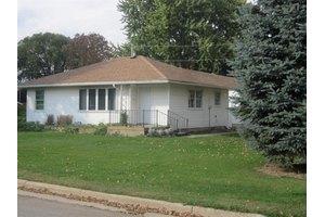 501 Franklin St, Fayette, IA 52142
