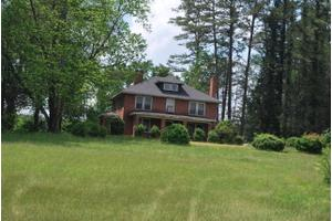 2630 Old Highway 221 S, Marion, NC 28752