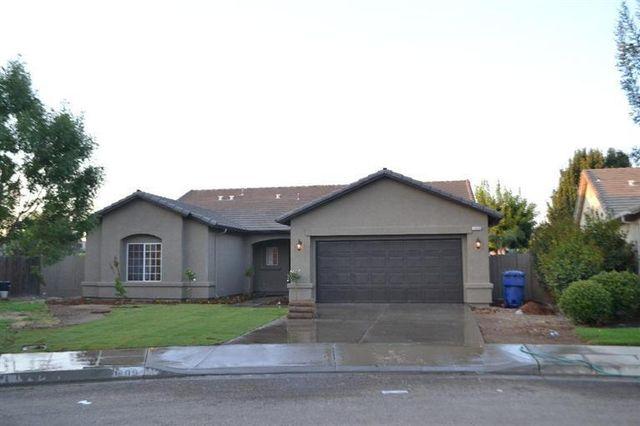 1009 Sequoia Ct, Fowler, CA 93625
