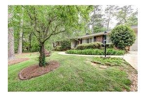 2544 Tanglewood Rd, Decatur, GA 30033