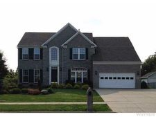 98 Old Carriage House Rd, Grand Island, NY 14072