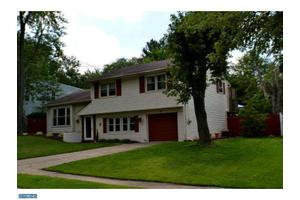 10 Round Hill Rd, Voorhees, NJ 08043