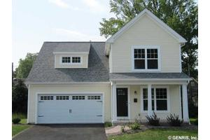15 Brookscrest Way, Rochester, NY 14611