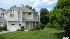 202 Bayberry Path, Riverhead, NY 11901