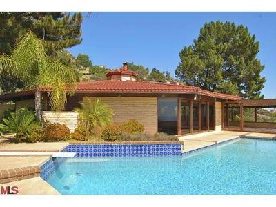 225 Loma Metisse Rd, Malibu, CA