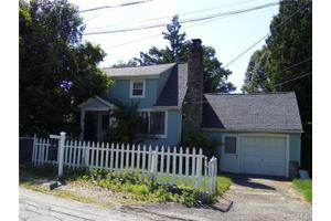 9 Hermitage Rd, Brewster, NY 10509