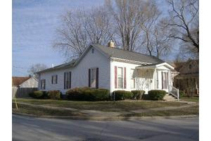 322 Sheriff St, Paris-E, IL 61944