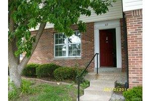 69 Woodlake Ct, Lake St Louis, MO 63367
