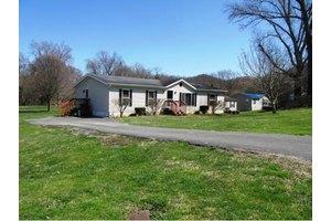 124 Rowe Ln, Johnson City, TN 37601