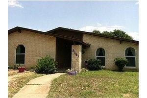 3141 Oak Hill Rd, Carrollton, TX 75007