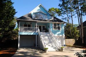 8915 Shipwatch Dr, Wilmington, NC 28412