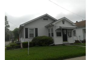 232 E 12th St N, Newton, IA 50208