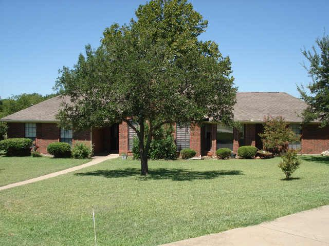 maypearl singles Of all households in maypearl, tx whether you're in the market for a townhouse, condo, commercial property, single-family home, or a vacation spot.