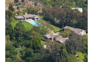 Photo of 9501 Gloaming Drive,Beverly Hills, CA 90210