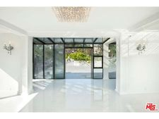 1817 Hillcrest Rd, Los Angeles, CA 90068