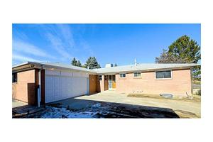 1575 S Monaco Pkwy, Denver, CO 80224