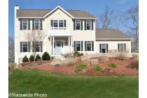 70 Clearview Dr, Richmond, RI 02892
