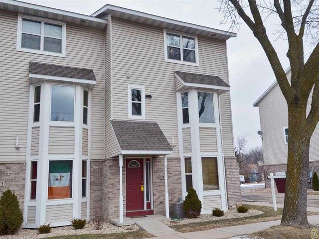 2418 Commercial Ave Madison Wi 53704 3 Beds 3 Baths