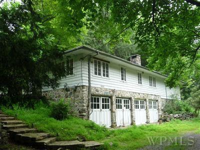 883 Peekskill Hollow Rd, Putnam Valley, NY 10579 - realtor.com®