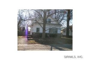 317 W 1st South, Carlinville, IL 62626