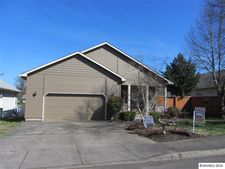 240 Norway St, Silverton, OR 97381