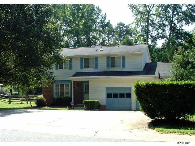 6211 Upas Ln, Charlotte, NC 28227