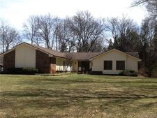 9451 Sanderson Ct, Commerce Twp, MI 48390