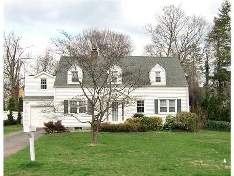 13 Linwood Ave, Riverside, CT 06878