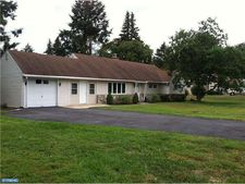 804 Norfolk Rd, Abington, PA 19046