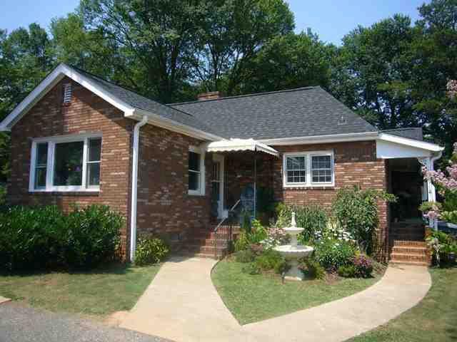 1191 Lawson St, Spartanburg, SC 29307