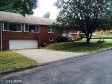 5410 Fisher Dr, Temple Hills, MD 20748