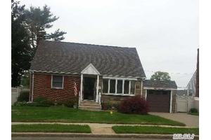 117 Margaret Dr, East Meadow, NY 11554