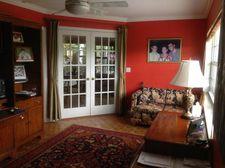 1527 Crescent Cir, Lake Park, FL 33403