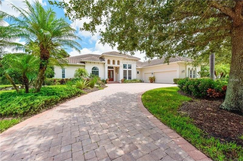 5219 Sand Lake Ct Sarasota, FL 34238