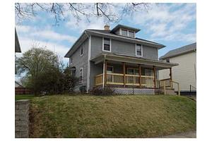 869 Homestead Ave, Springfield, OH 45503