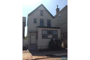 256 Devon St, Kearny, NJ 07032