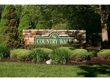 44 Country Walk, Shelton, CT 06484