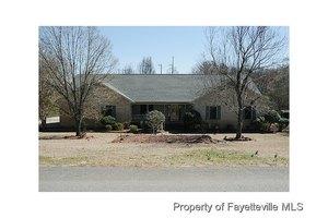 822 Shortridge Rd, Fayetteville, NC 28303