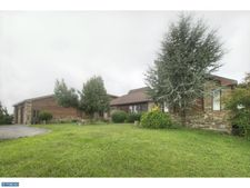 74 Forest Rd, PA 19551