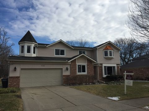 9100 Woodberry Rd, Plymouth, MI 48170