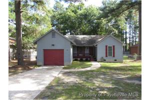928 Whitcomb Dr, Fayetteville, NC 28311