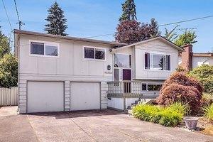 13317 17th Ave NE, Seattle, WA 98125