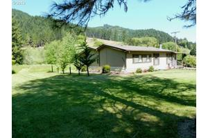 6480 Hubbard Creek Rd, Umpqua, OR 97486