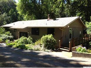 4552 Croisan Creek Rd S, Salem, OR 97302
