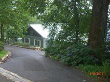 900 Groundhog Hill Rd, Hillsville, VA 24343