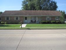 1009 W Evergreen Ave, Effingham, IL 62401